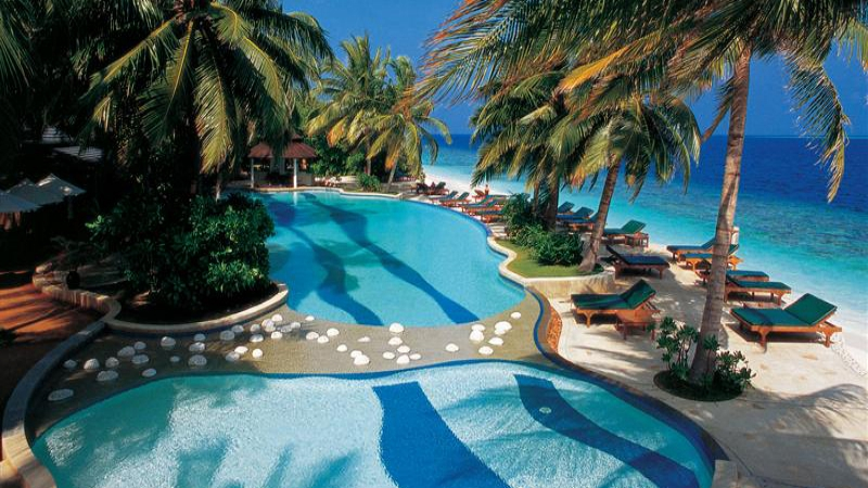 AMAZING  MALDIVES WITH  ROYAL ISLAND RESORT  AND  SPA